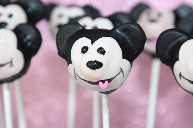 Making Tasty And Playful Cakes With Best Cake Pop Maker